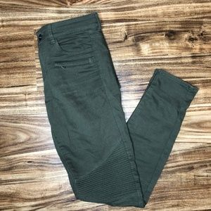 EUC Barely Worn H&M Olive Jeans Size 6